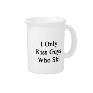 I Only Kiss Guys Who Ski Beverage Pitchers