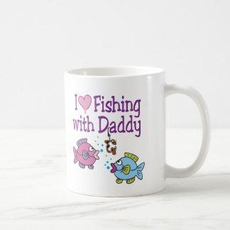 I pesca del corazón con el papá taza de café