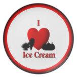 I placa de cena del helado del corazón plato de cena