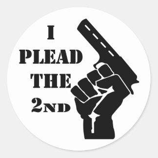 I Plead The 2nd Amendment Gun Classic Round Sticker