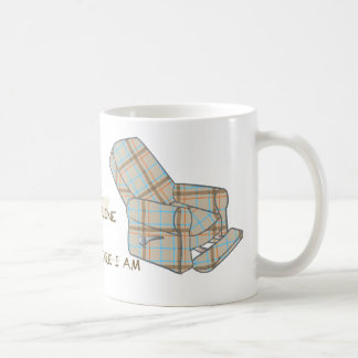 'I recline' mug