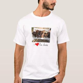 i [REDheart] l.a. doxies - Landscape Mens T-Shirt