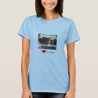 i [REDheart] l.a. doxies - Landscape Womens T-Shirt