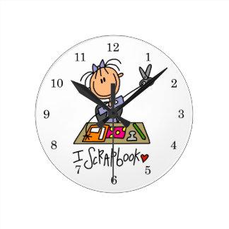 I Scrapbook Round Clock