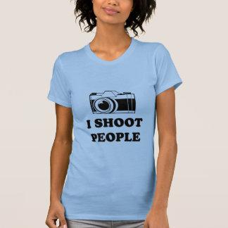 I shoot people. T-Shirt