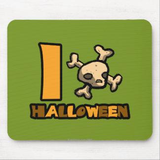 "I ""skull and cross bones"" Halloween Mouse Pad"