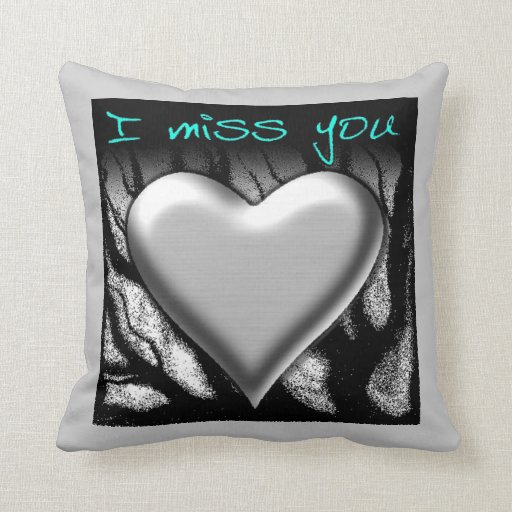 I Srta. You Heart Pillows Cojines