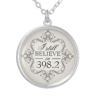 I Still Believe in 398.2 Fairy Tale Library Love Round Pendant Necklace