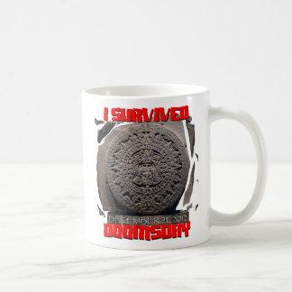 I SURVIVED DOOMSDAY 2012 cool Mug
