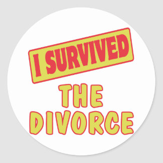 I SURVIVED THE DIVORCE CLASSIC ROUND STICKER