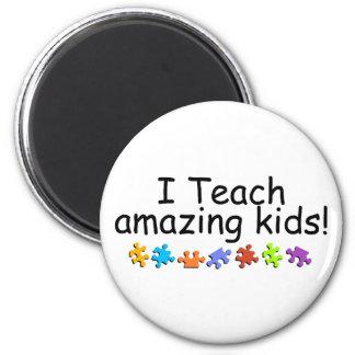 I Teach Amazing Kids (Puzzle) 2 Inch Round Magnet