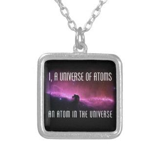 I, un universo de átomos.  Un átomo en el universo Colgante Cuadrado