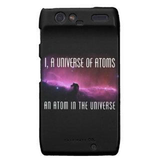 I, un universo de átomos.  Un átomo en el universo Motorola Droid RAZR Fundas
