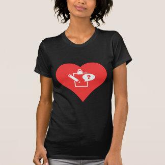 I vector de los exámenes del corazón tee shirts