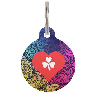 I vector de los tréboles del corazón identificador para mascotas