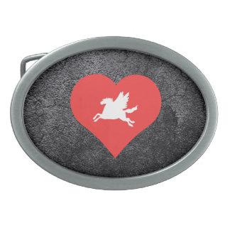 I vector de Pegaso del corazón Hebilla De Cinturón Oval