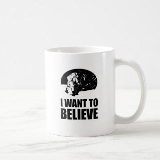 I want to believe - moon landing coffee mug