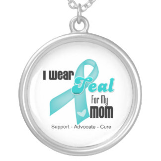 I Wear Teal Ribbon For My Mom Round Pendant Necklace