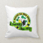 I went to the pub St. patrick's day  yellow green Throw Pillow