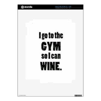 I Workout so I can wine - whine black iPad 2 Skins