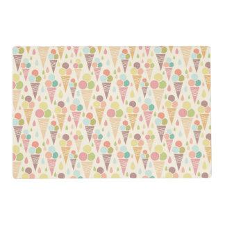 Ice cream cones pattern laminated place mat