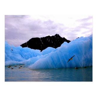 Iceberg de hielo azul postal