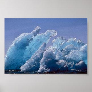 Iceberg de hielo o hielo flotante póster