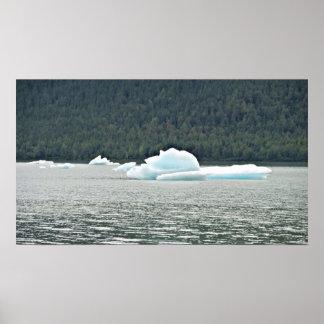 Icebergs flotantes Juneau Alaska del glaciar de Póster