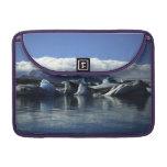 Icebergs negros y azules, Islandia Fundas Para Macbook Pro