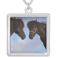 Icelandic horses facing each other pendants