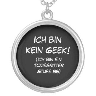 Ich bin kein Geek! Round Pendant Necklace
