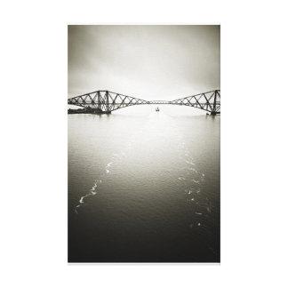 Icónico adelante tienda un puente sobre, Escocia Impresión En Lienzo Estirada