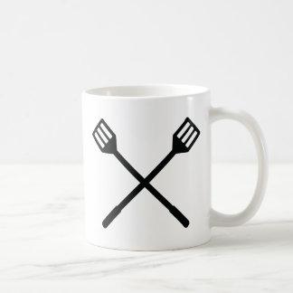 icono cruzado de los cubiertos de la barbacoa tazas de café