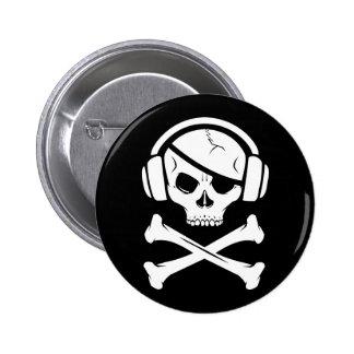 Icono de la piratería anti-RIAA del pirata de la m Pins