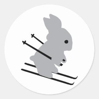 icono del conejito del esquí etiquetas redondas