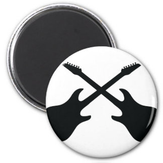 icono negro de la guitarra cruzado imán redondo 5 cm
