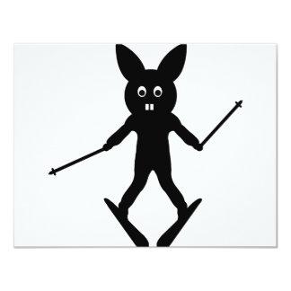 """icono negro del conejito del esquiador invitación 4.25"""" x 5.5"""""""
