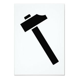 """Icono negro del martillo invitación 3.5"""" x 5"""""""
