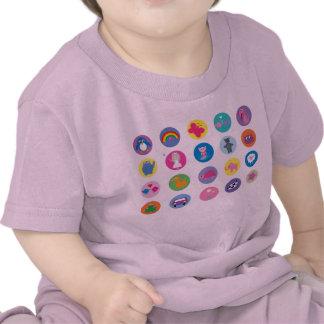Iconos coloridos lindos del dibujo animado camiseta