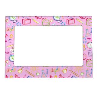 Iconos de la sala de clase de la diversión en rosa marcos magnéticos de fotos