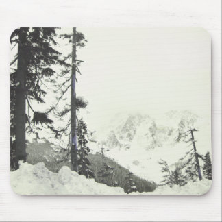 I'd rather be skiing down a snowy slope mousepads