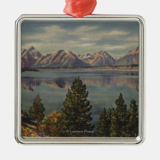 Idaho - vista de la gama de Teton y del lago Adorno Cuadrado Plateado