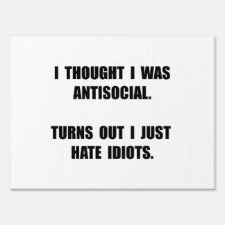 Idiotas antisociales cartel
