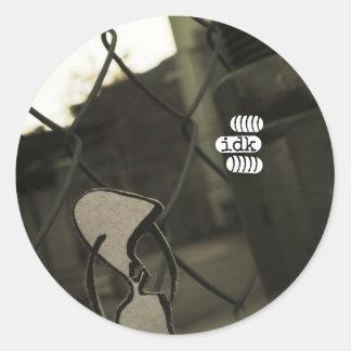 idk classic round sticker