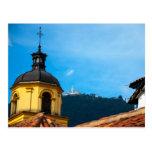 Iglesia amarilla y Monserrate Tarjetas Postales