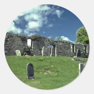 Iglesia arruinada, isla de Skye, Escocia Pegatina Redonda