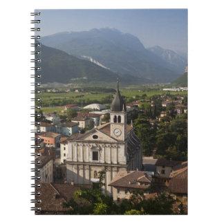 Iglesia colegial por mañana, Arco, Trento Libreta