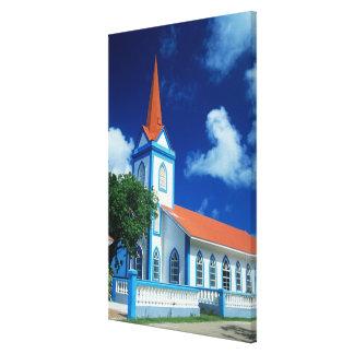 Iglesia colorida en la isla de Tahaa en Impresión En Lona