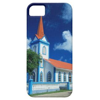 Iglesia colorida en la isla de Tahaa en iPhone 5 Carcasa