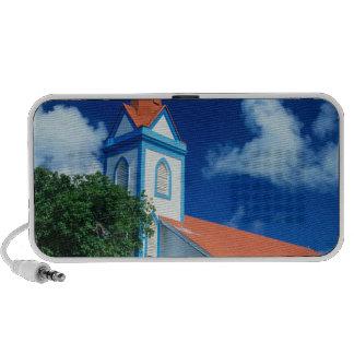 Iglesia colorida en la isla de Tahaa en Laptop Altavoz